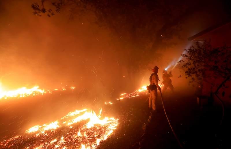 fire 01-Kent Porter-The Press Democrat-AP