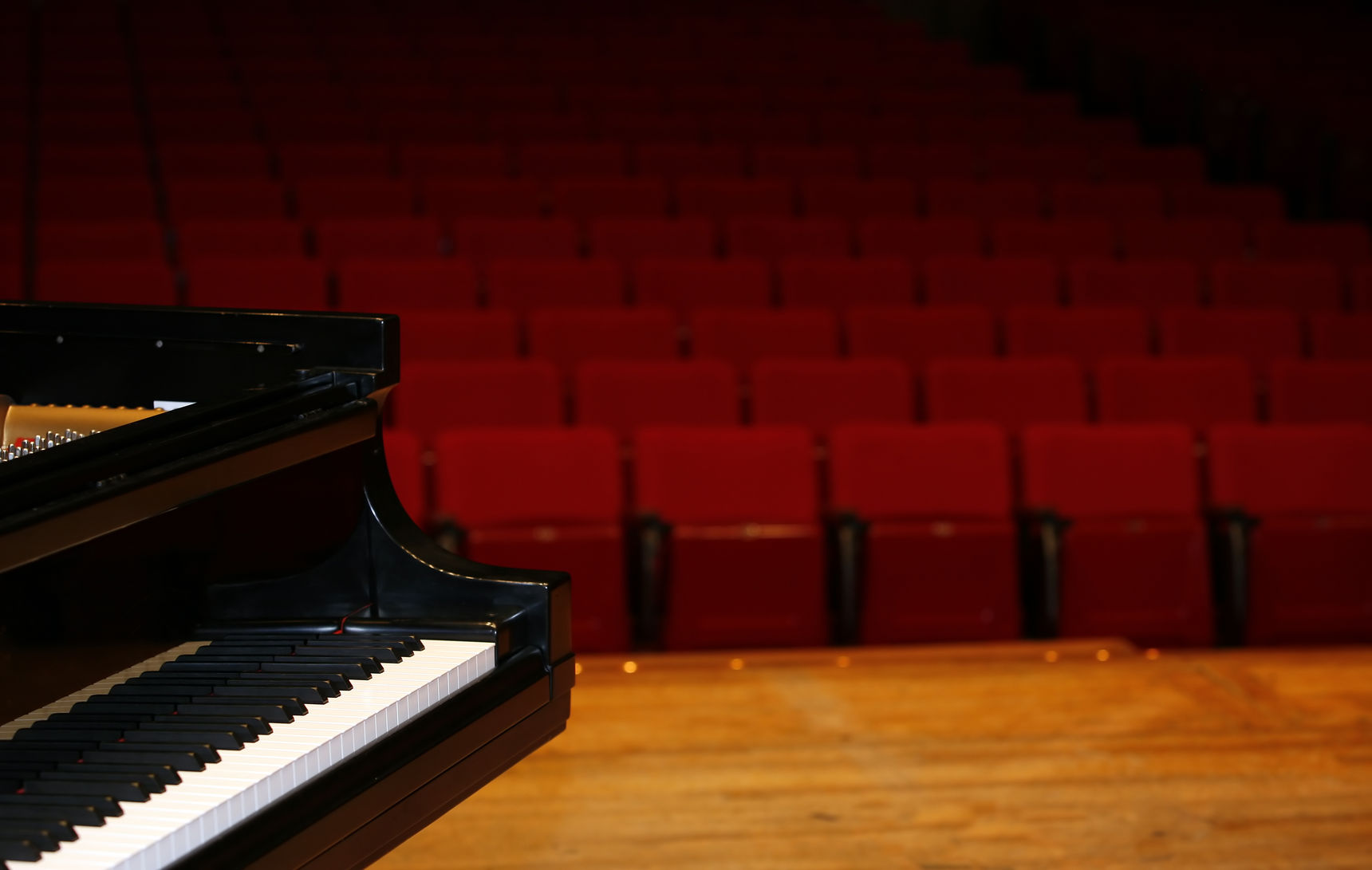 onstagepianoview